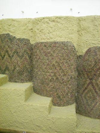 Cone mosaic Uruk Mesopotamia 3000 BC. Pergamon Museum. Shared under Wiki Creative Commons licence.
