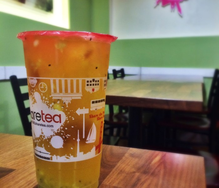 Kiwi Fruit Tea with Ice Jelly and Aloe Vera at Share Tea