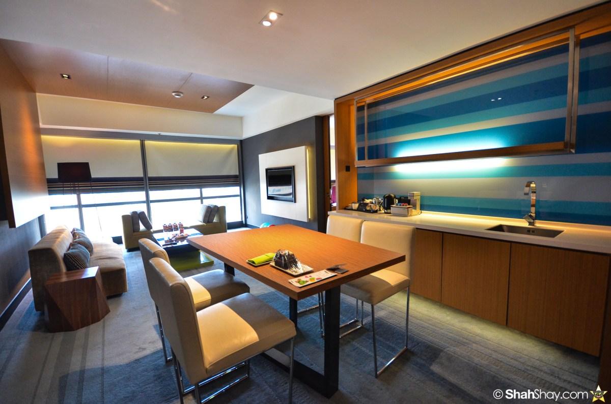 Hotel Kuala Lumpur - Aloft KL Sentral Breezy Suite - Dining area