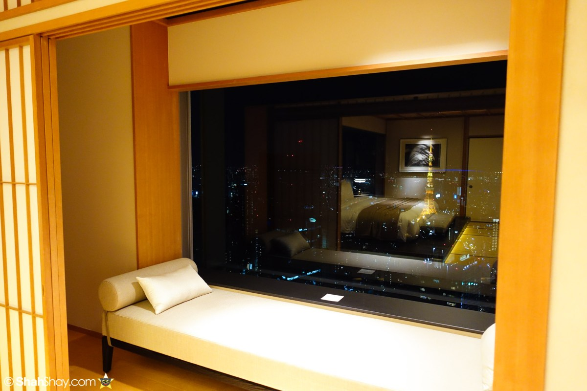 The Ritz-Carlton Tokyo Rooms - Modern Japanese Suite - Bench with Tokyo Tower View