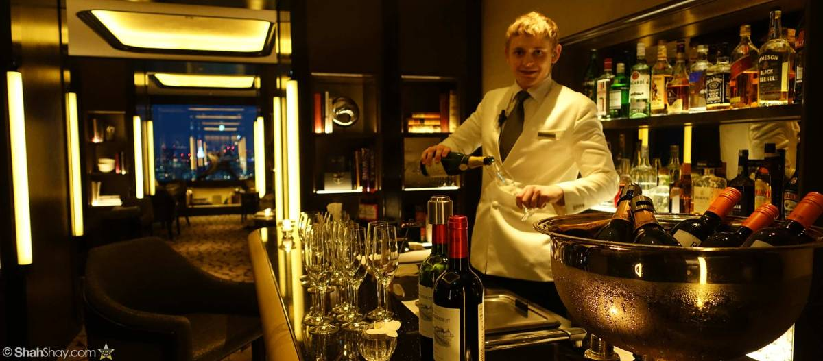 Access Club lounges with Club Level upgrades on paid stays with The Ritz-Carlton Rewards® Visa Credit Card