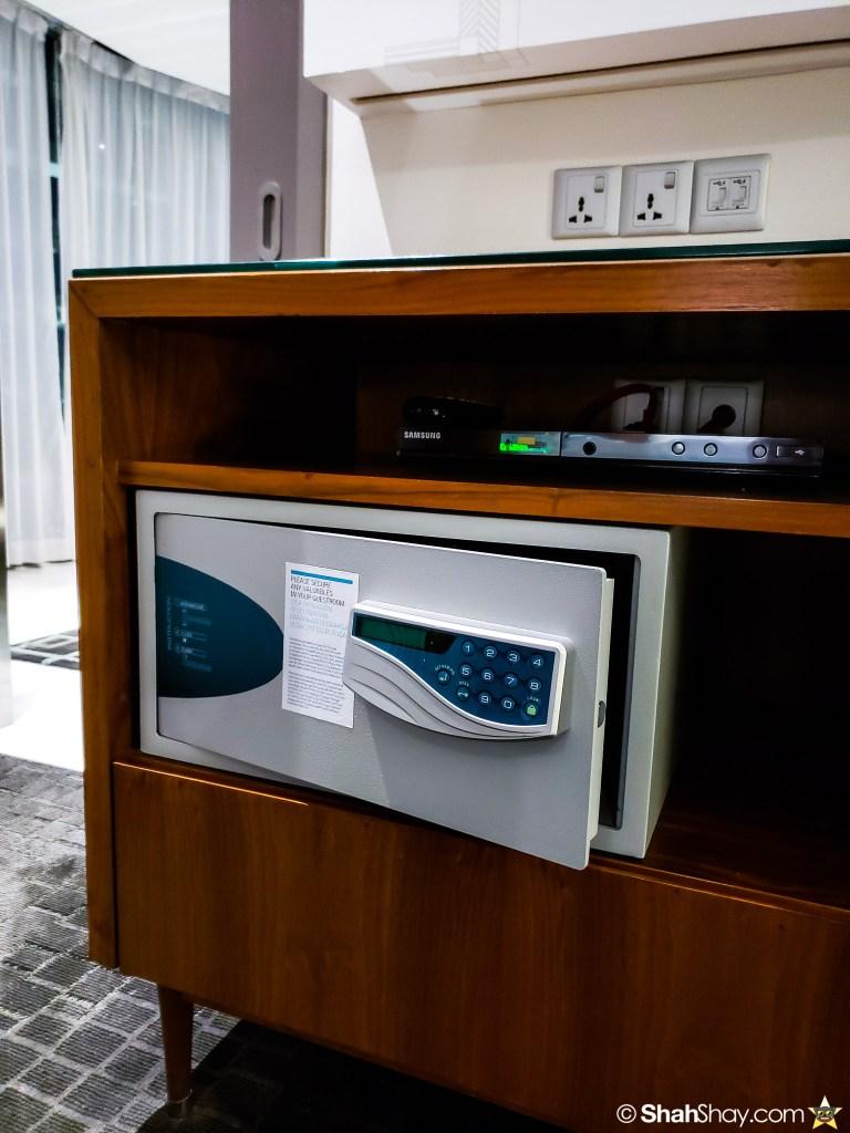 Le Méridien Suite Review at The Le Méridien Kuala Lumpur - bedroom safe