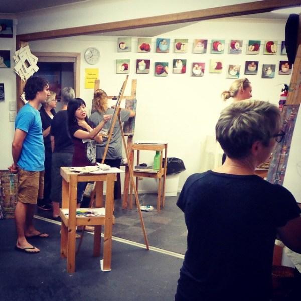 Shai teaching an art class at Splashout Art Studios in South Australia.
