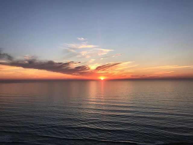Though it happens every single day, sunset never stops to awe me! #sunset #beautiful #skyline #colors #nature #painting #pacific #ocean #clouds #water #ripples #nofilter