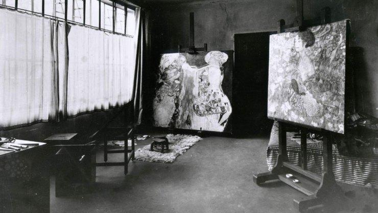 The modest studio of the Austrian artist.
