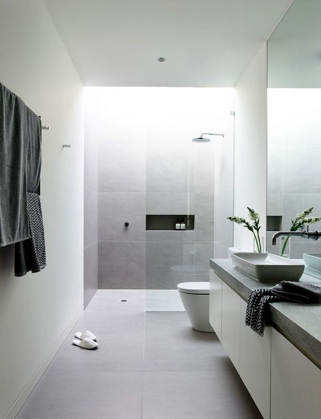 Tiles Ideas for Small Bathroom (12)