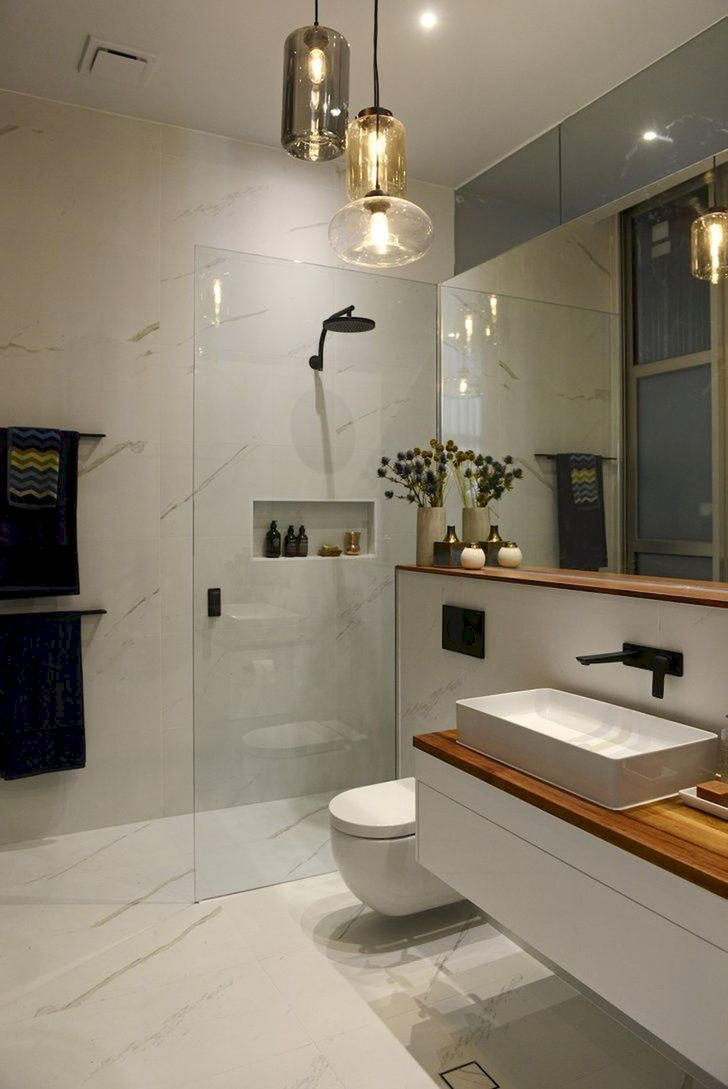 Tiles Ideas for Small Bathroom (51)