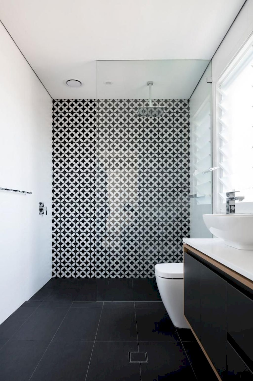 Tiles Ideas for Small Bathroom (75)