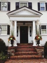 Fall Porch Décor Ideas in Cozy and Cool Style (28)