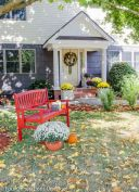 Fall Porch Décor Ideas in Cozy and Cool Style (29)