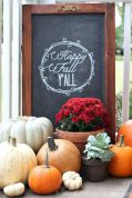 Fall Porch Décor Ideas in Cozy and Cool Style (31)