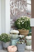Fall Porch Décor Ideas in Cozy and Cool Style (45)