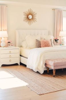 Affordable Bedroom Design With Comfortable Beds and Furniture Part 20