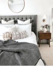 Affordable Minimalist Bedroom Ideas with Ultra Cozy Bed Designs Part 20
