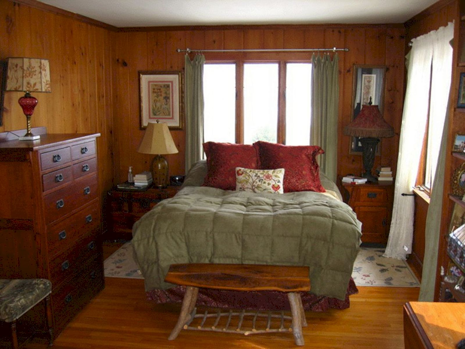 Awesome Small Bedroom Decorating Ideas On A Budget (7)