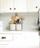 Bright Kitchen with White Kitchen Concept that Never Look Boring Part 1