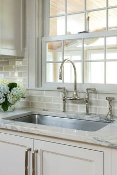 Bright Kitchen with White Kitchen Concept that Never Look Boring Part 12