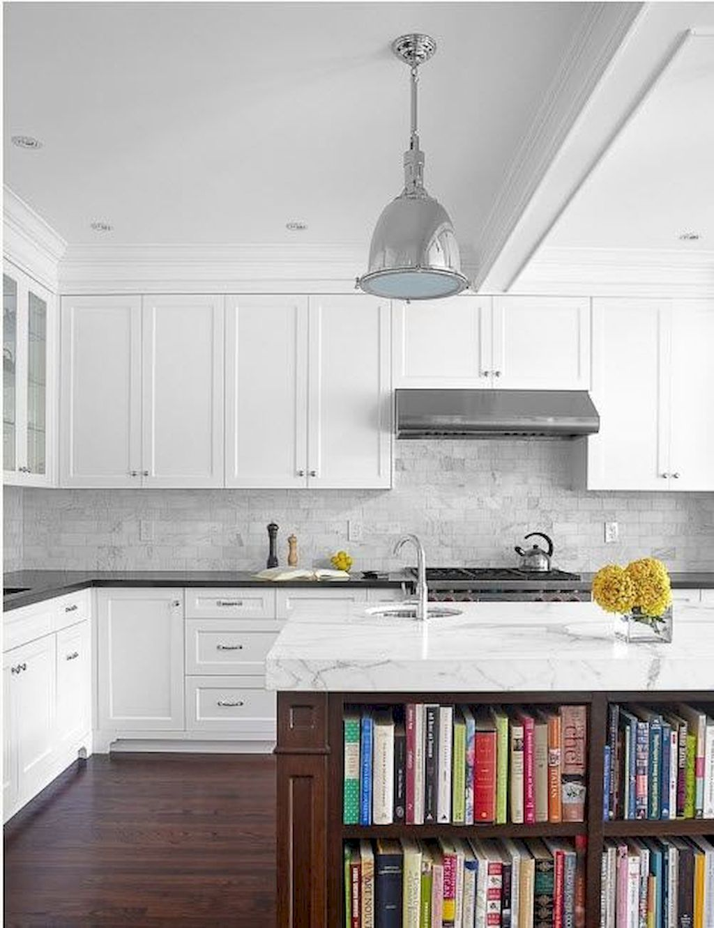 Bright Kitchen with White Kitchen Concept that Never Look Boring Part 4
