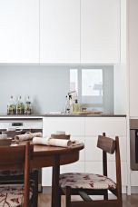 Bright Kitchen with White Kitchen Concept that Never Look Boring Part 6
