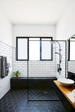 Stunning Small Bathroom Ideas On A Budget (1)