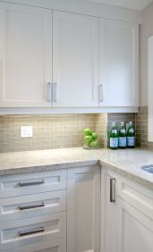 White Kitchen Designs With Beautiful Simple Accessories Part 23