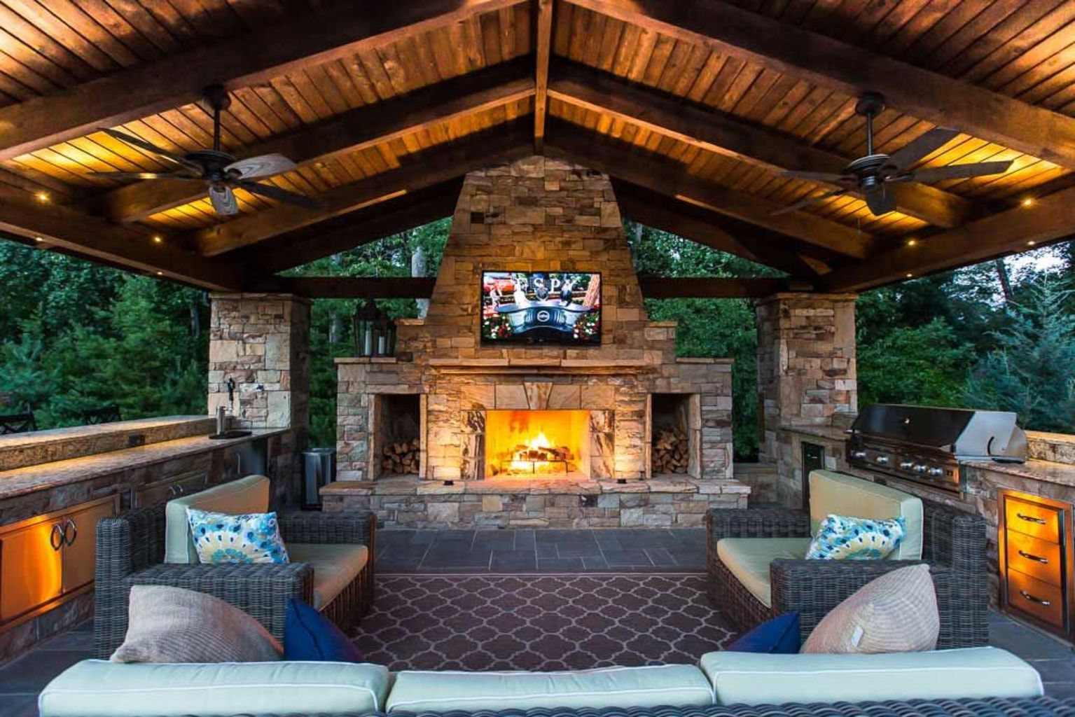 Back porch design ideas that perfect for every home as special space to make it anything you want Part (19)