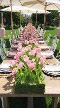 Charming Easter centerpieces and springy table decor ideas to get your Easter party hopping Part 25