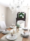 Charming Easter centerpieces and springy table decor ideas to get your Easter party hopping Part 29