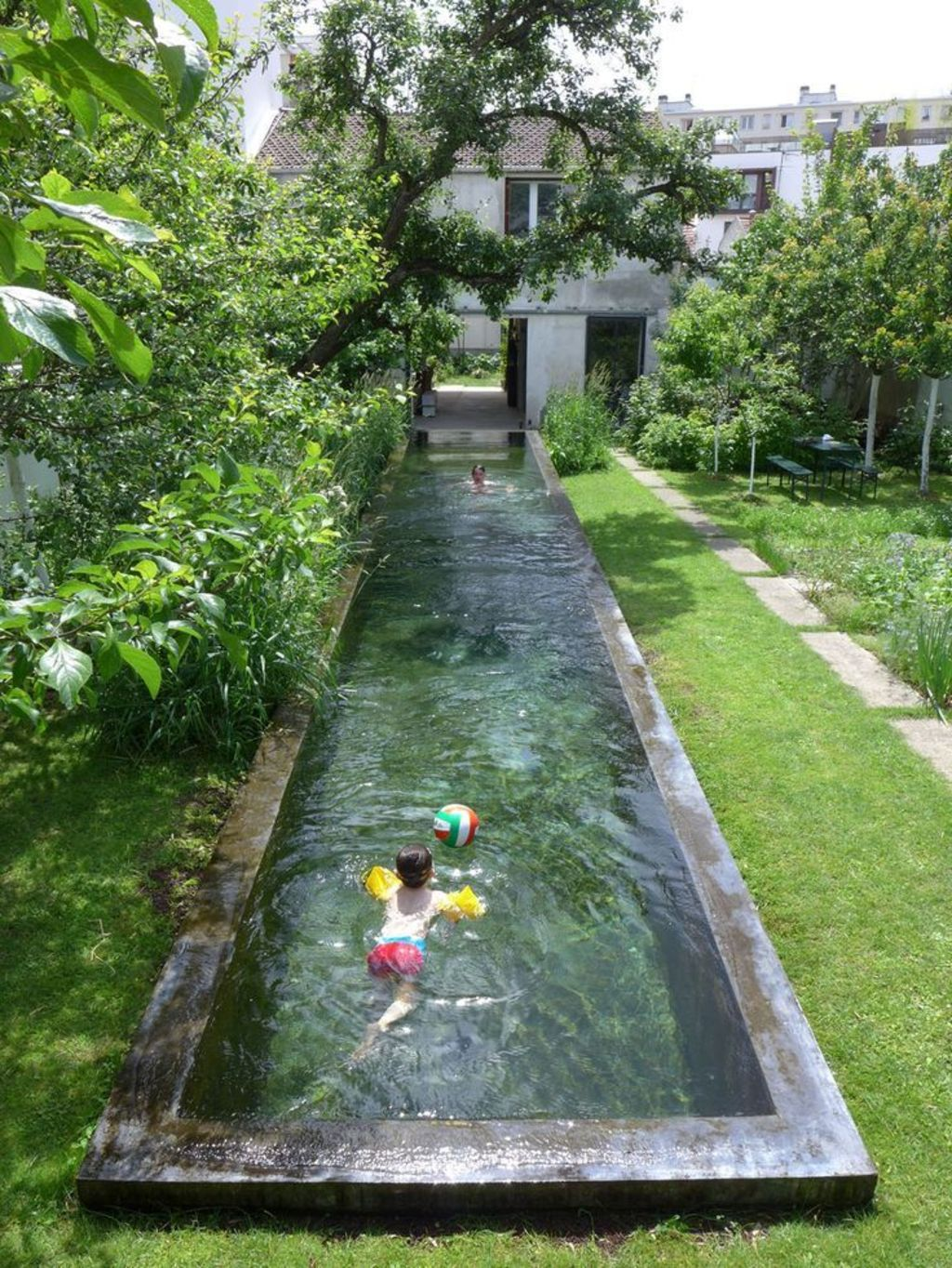 Inground tiny swimming pool in a small backyard that pick the best shape Part 15