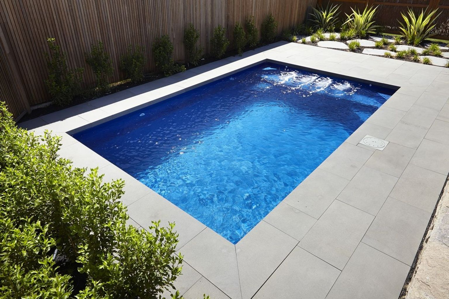 Small swimming pools made for small spaces and tight budgets Part 28
