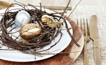 Spring tablesetting ideas with flowers live plants and decoartive eggs best for celebrating the Easter Part 25