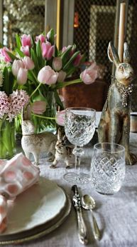 Spring tablesetting ideas with flowers live plants and decoartive eggs best for celebrating the Easter Part 37