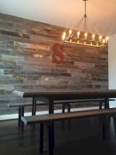 Clever rustic touch exploiting wood pallets wall accent that enhances contemporary home update and also effective in twisting decoration style Image 13