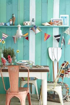 Coastal chic decoration with nautical accessories showing a fresh look in cool beach house styles Image 13