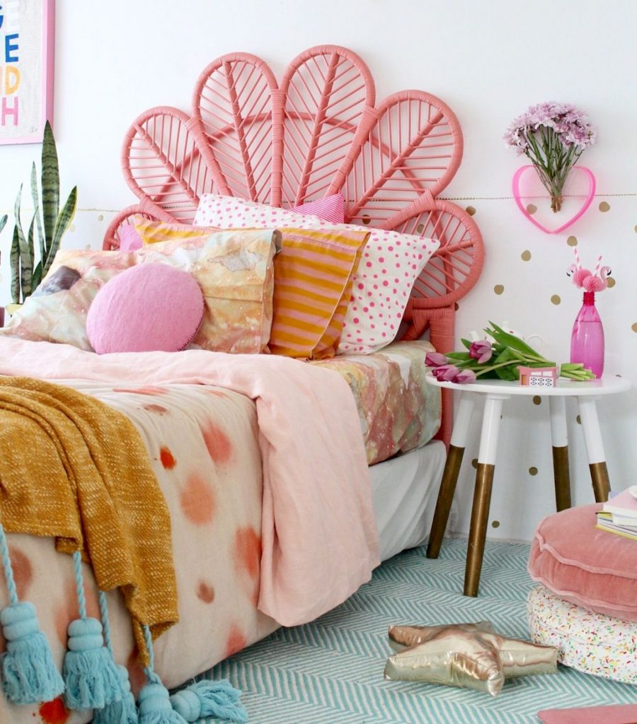 Cozy chic kids bedrooms with a modern touching style that are very lovely with pastel color accent and beautiful decoration Image 15