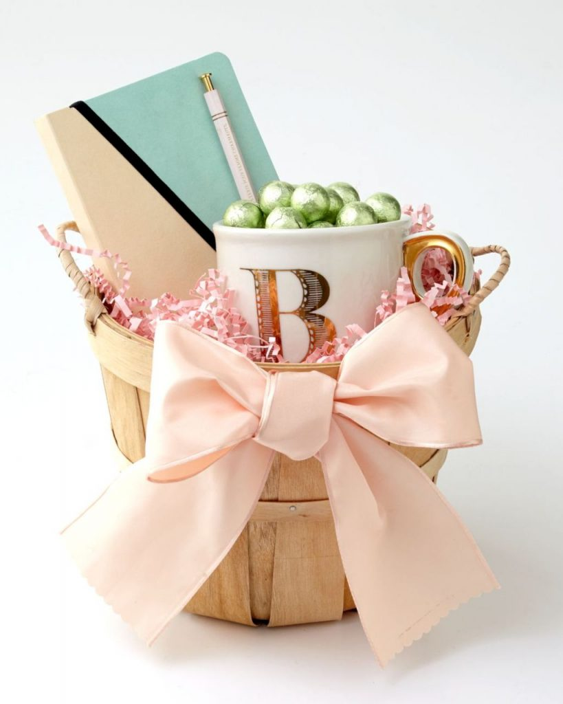 DIY Easter basket ideas made from affordable and recycled materials very charming as Spring celebration accessories Image 12