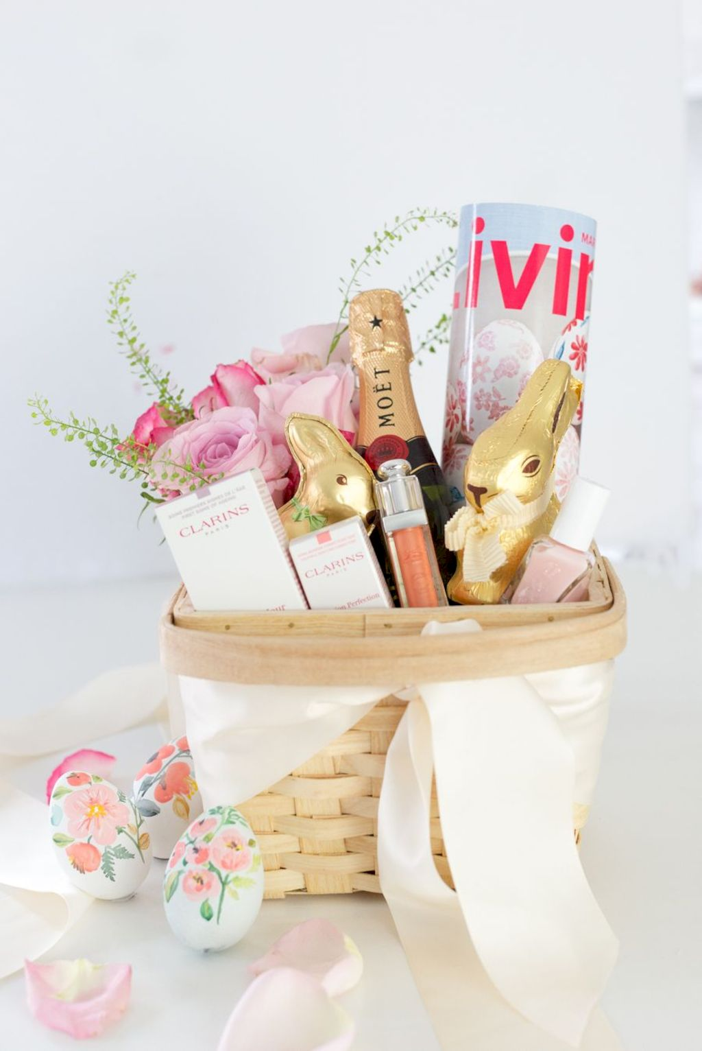 DIY Easter basket ideas made from affordable and recycled materials very charming as Spring celebration accessories Image 5