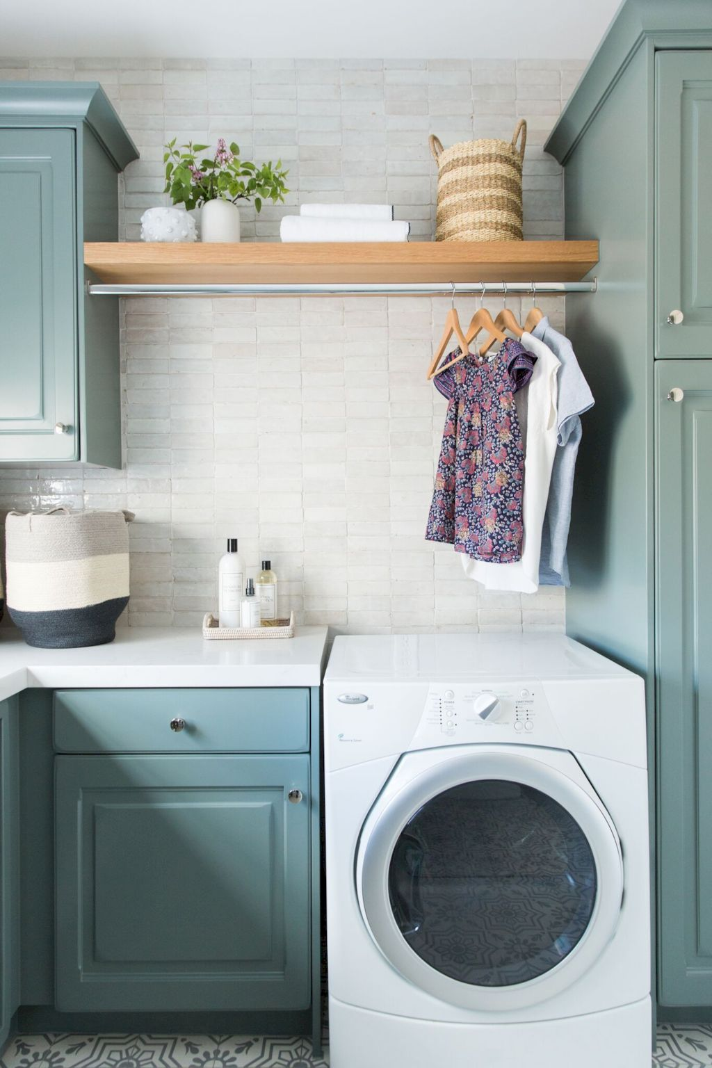 Easy tricks to make a Scandinavian style laundry room which will give a perfect refreshment in simple and sleek designs Image 8