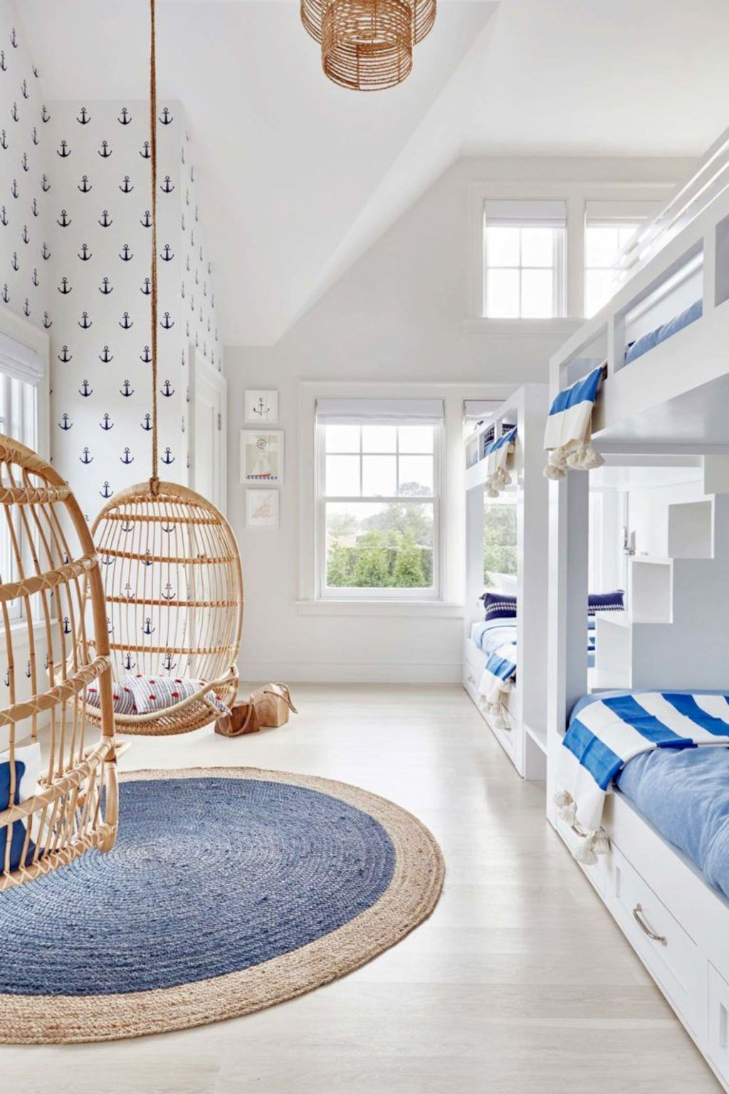 Refreshing home design with a coastal living theme and beach house style perfect inspirations for summer home updates Image 32