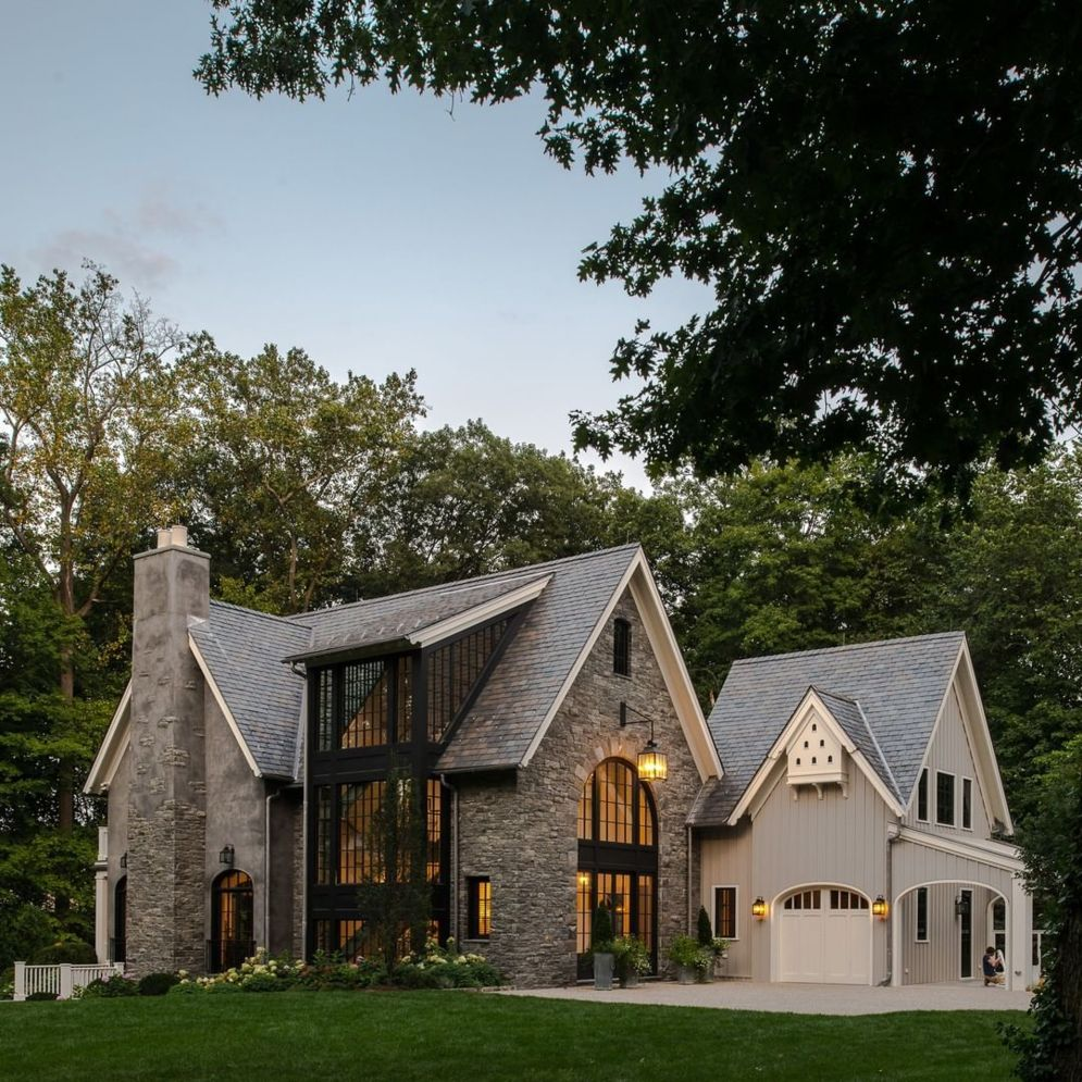 Countryside house with modern Farmhouse exterior design bringing up the traditional style in new classy look Image 20