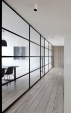 Limitless interior schemes with clever glass partition enlarging wide interior vibes Image 36