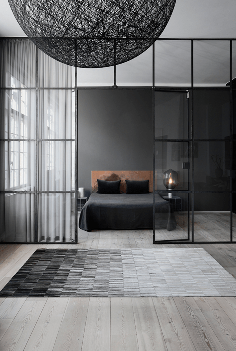 Limitless interior schemes with clever glass partition enlarging wide interior vibes Image 37