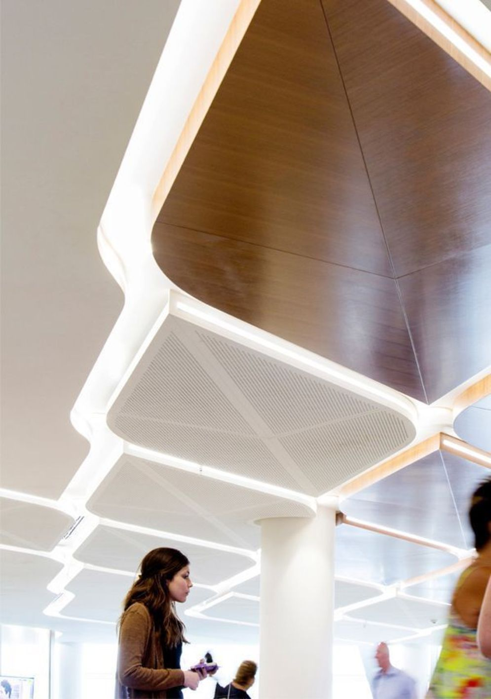 Modern office designs showing artistic false ceiling decoration Image 41