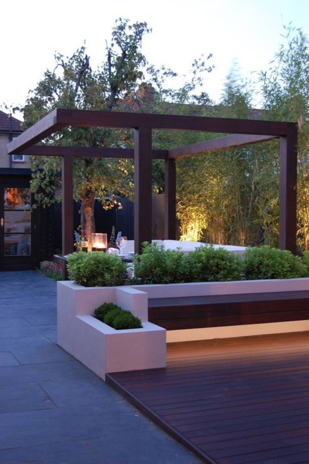 Beautiful garden lighting ideas with ground level ambient light giving luxurious resorts look Image 32