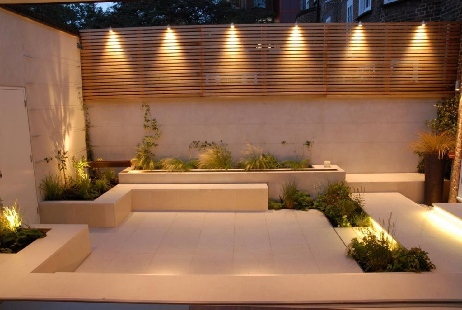 Lavish garden upgrade showing beautiful outdoor light schemes that liven up the landscape view Image 35