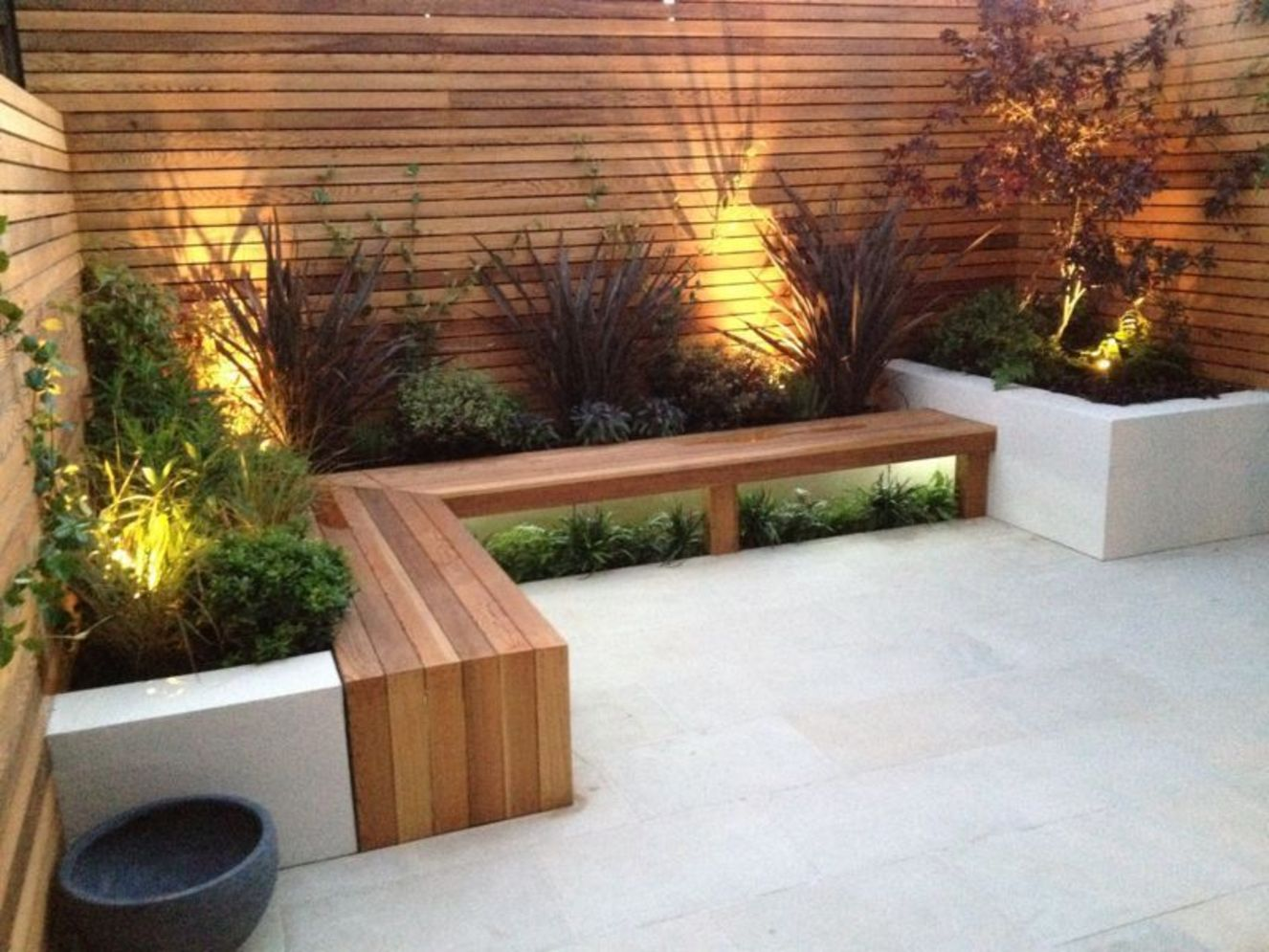Lavish garden upgrade showing beautiful outdoor light schemes that liven up the landscape view Image 38