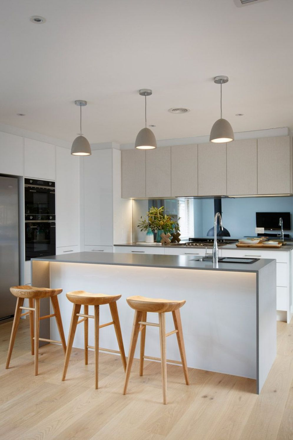 Modern kitchen updates using efficient concrete benchtops to show sturdier interior display Image 31