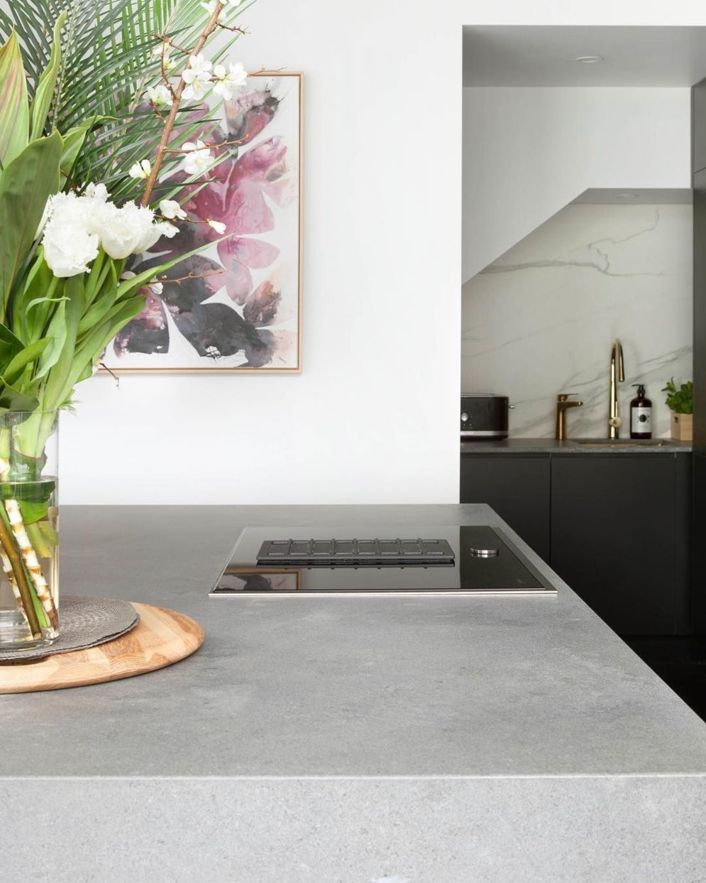 Modern kitchen updates using efficient concrete benchtops to show sturdier interior display Image 41