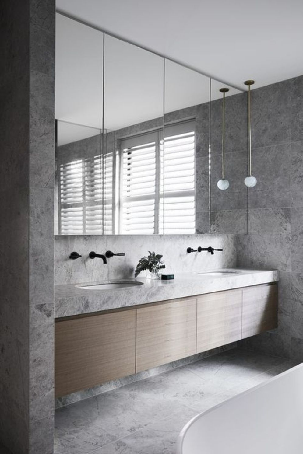 Most savvy bathroom designs with elegant wood finish to give more natural feel Image 4
