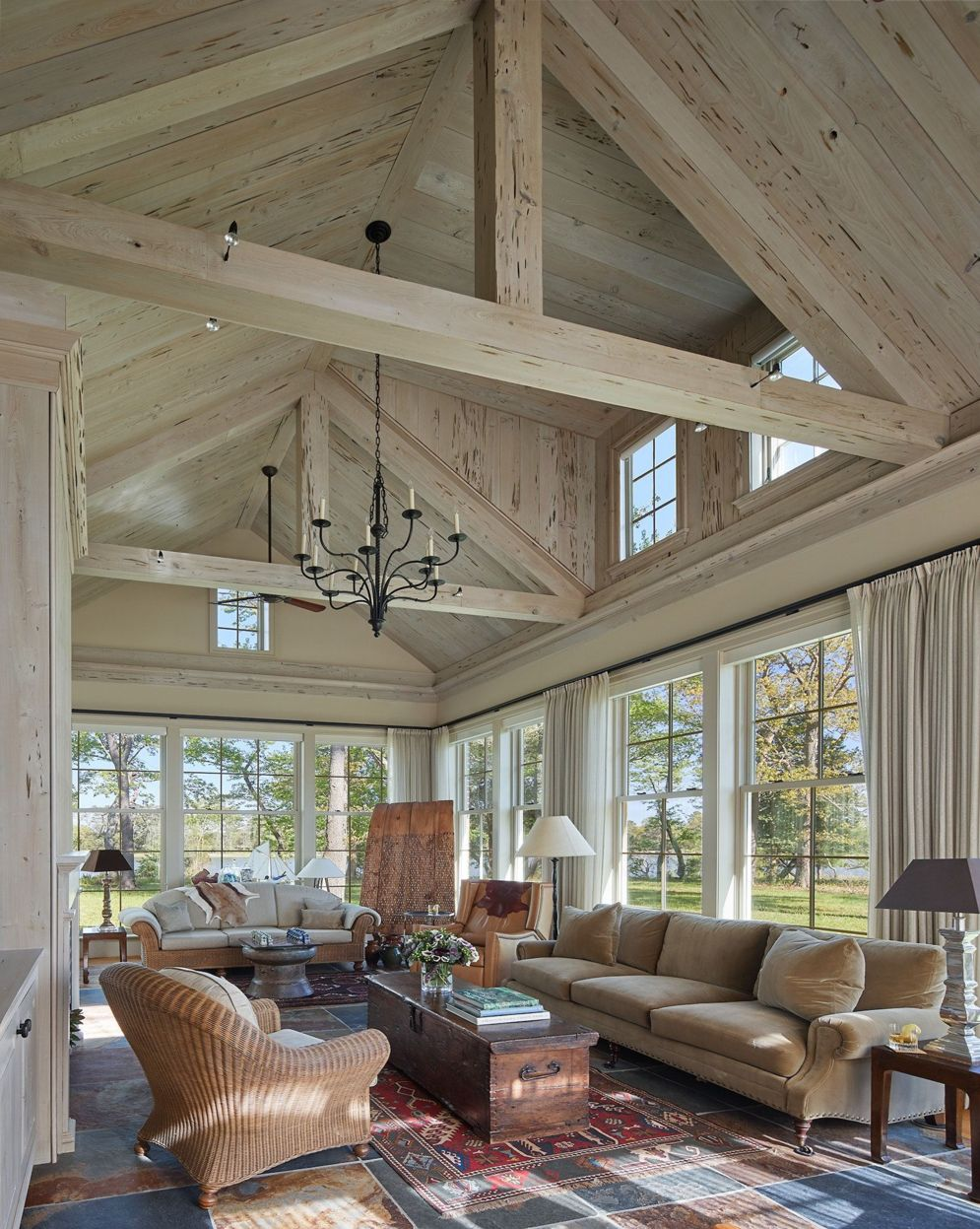 Spacious home images with vaulted ceiling showcasing grand and wonderful home design Image 30